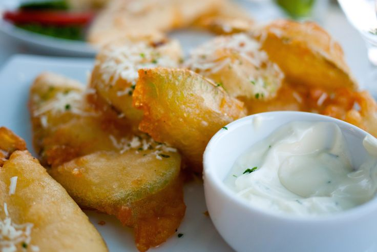 A super simple fried zucchini recipe for the lovers of the authentic Greek cuisine! Fried zucchini (Tiganita Greek kolokithakia) is a favourite Greek meze that is served in every Greek tavern, so why not make it at home and bring back that summery holiday feeling!