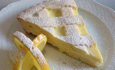 Crostata al limone Ingredienti 500 gr di farina, 200 gr di zucchero, 200 gr di burro, 2 uova, 1 cucchiaino di lievito vanigliato, scorza di limone Per la crema: 300 ml di latte, 1 limone, 2 tuorli, 50 gr di zucchero, 35 gr di maizena o fecola di patate Preparazione Facciamo la crema: scaldiamo il latte. Sbattiamo le uova con lo zucchero, aggiungiamo la fecola e un po' alla volta il latte, poi la scorza di limone grattugiata. Cuociamo a fiamma bassa e quando si sta addensando un