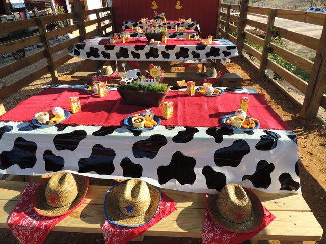 Decoración fiestas temática de La Granja o también para Toy Story. #FiestasInfantiles