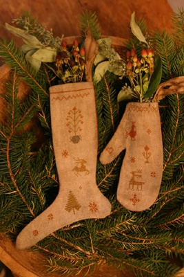 25 Best Ideas About Primitive Mitten Ornaments On