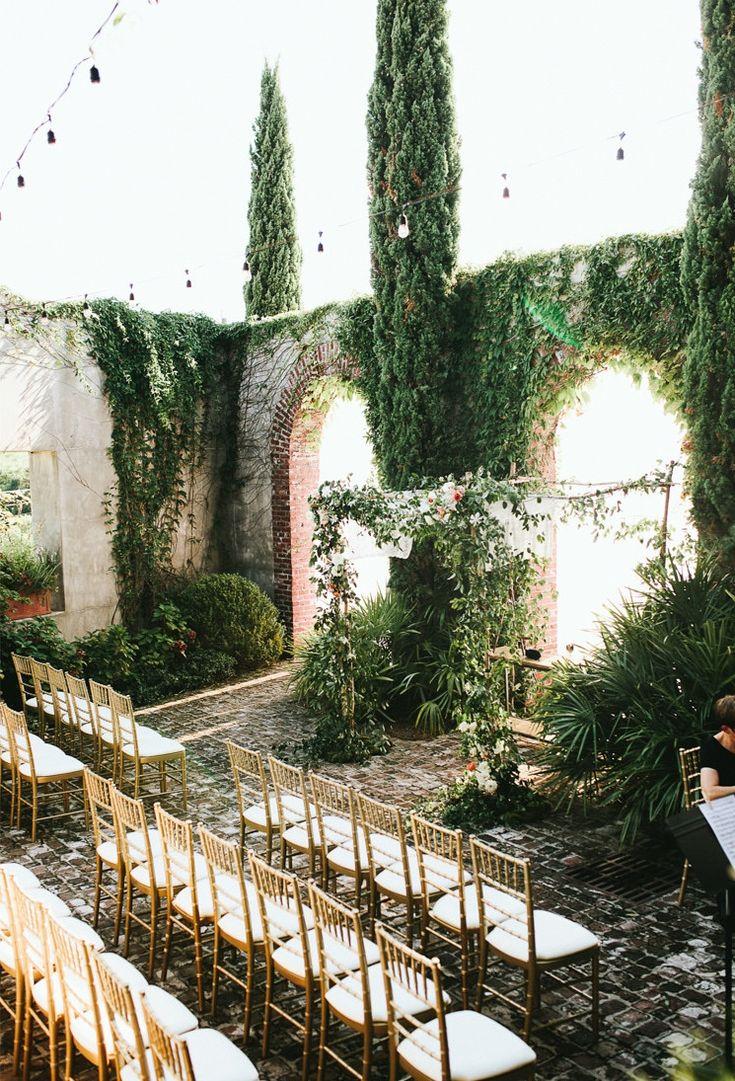 Hübsche botanische Hochzeit in den Ruinen eines Lagerhauses 1920