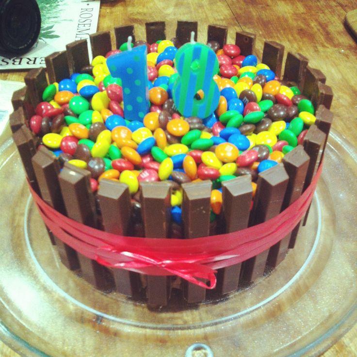 Boyfriends birthday cake, kit Kat, m