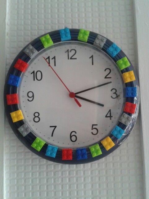 Easy DIY LEGO Clock — Crafthubs