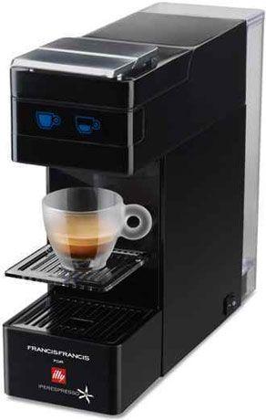 Illy Y3 MIE Black  Illy Y3 MIE Black: simplistich design De Illy Y3 IPERESPRESSO is het perfecte voorbeeld van een mooie samensmelting van de Illy kwaliteit koffie en een simplistisch design. En niet te vergeten compact en gebruikersgemak. De Illy Y3 MIE is functioneel super smal en makkelijk te gebruiken. Deze Illy machine heeft twee koppensteunen waarmee je de hoogte tussen het uitlooppijpje en het kopje kan bepalen. Doordat deze machine met capsules werkt scheelt dit aanzienlijk in…