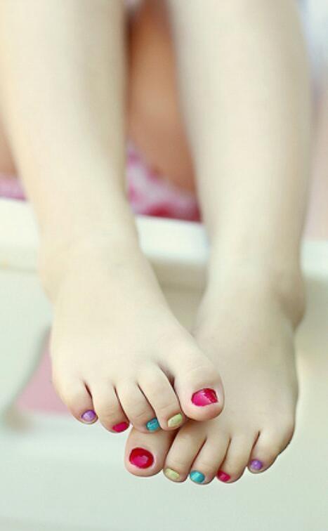 Petite Nails