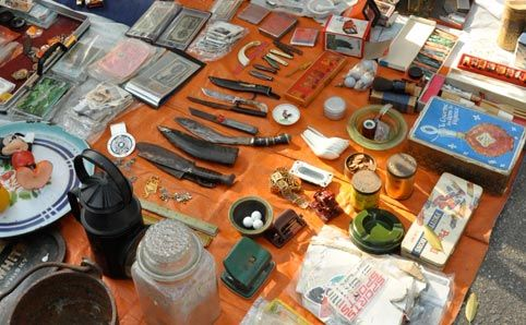 Lorong Kulit Flea Market, Lorong Kulit, George Town, Penang. Open Sat & Sun, 8am-2pm.