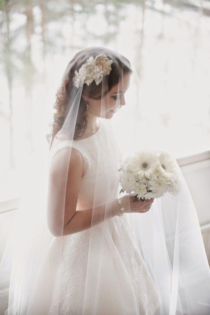 Dress: Ella  photo: DMK Photography model: Natalie Hairpiece and veil: Design Domi
