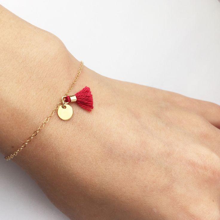 Bracelet fin grigris pompon coloré