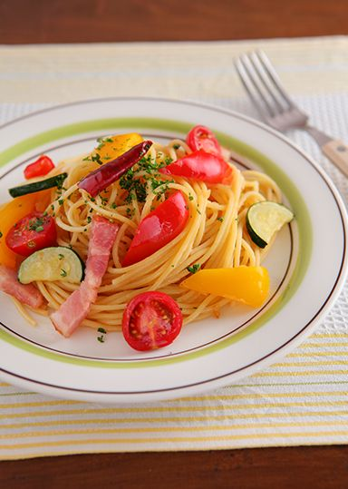 夏野菜たっぷり★ペペロンチーノ のレシピ・作り方 │ABCクッキングスタジオのレシピ | 料理教室・スクールならABCクッキングスタジオ