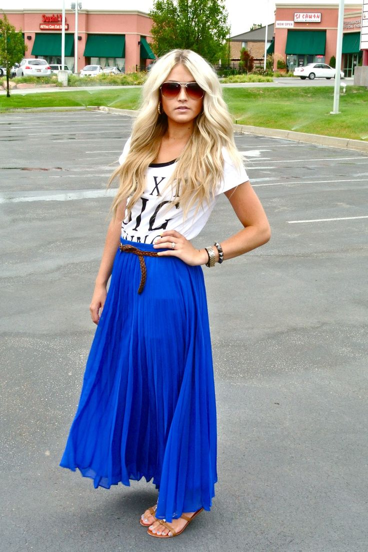 T, belt, bright blue maxi, sunnies.
