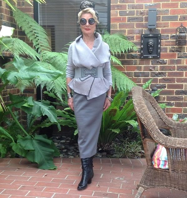 How to make a statement with your style - a style interview with Sharryn | 40plusstyle.com