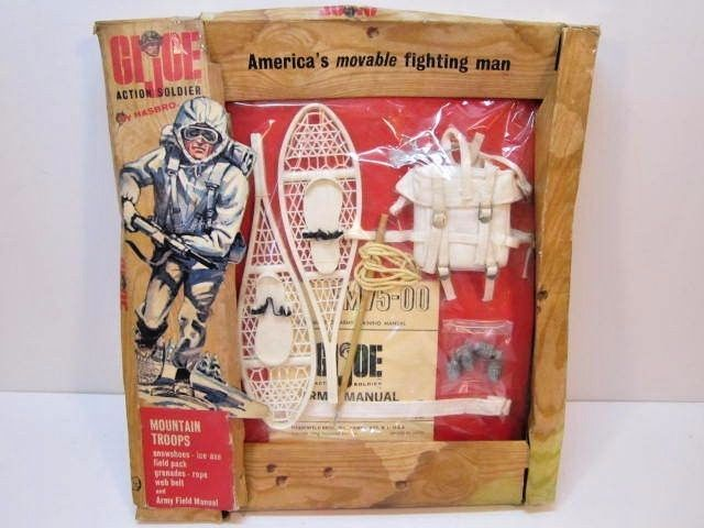 VINTAGE 1965 GI JOE ACTION SOLDIER MOUNTAIN TROOPS PACK UNOPENED WORN PACKAGE #Hasbro