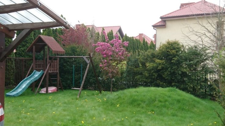 Ogródek dla dzieci z górką