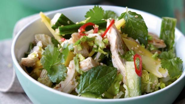 Asiatisk kyllingesalat - opskrift på sund mad - en af mine favoritter! :)