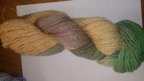 Handpun beautiful wool by le lana wool