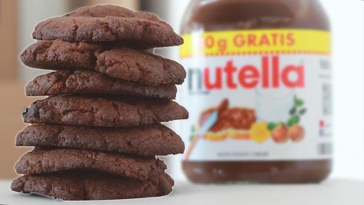 Super schnell und Mega köstlich! Heute ein ultimatives Nutella-Keks-Rezept. Ihr braucht nur Nutella, Mehl, Eier ein Backblech und 15 Minuten Geduld (Okay, eine Schüssel vielleicht auch noch). Fertig :) Lasst es euch schmecken!!