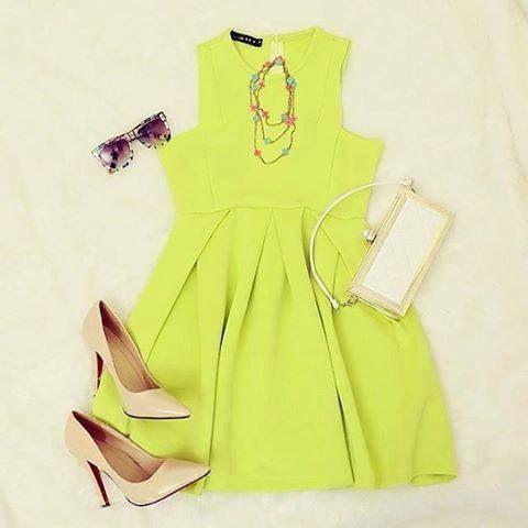 lime dress, nude pumps <3