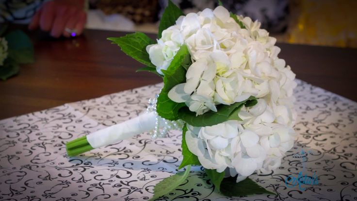 DIY Hydrangea bouquet video.   My changes: I would consider trying to do it with…
