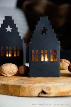 DIY Haus Windlicht mit kostenloser Vorlage zum Download Link zum Beitrag: http://spoonandkey.blogspot.de/2015/10/diy-haus-windlicht-mit-kostenloser.html
