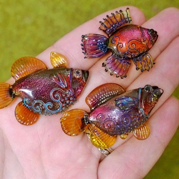 "339 Likes, 32 Comments - Tatyana Boyarinova (@tatyana_boyarinova) on Instagram: ""Стая  Shoal  #glass #lampwork #fish"""