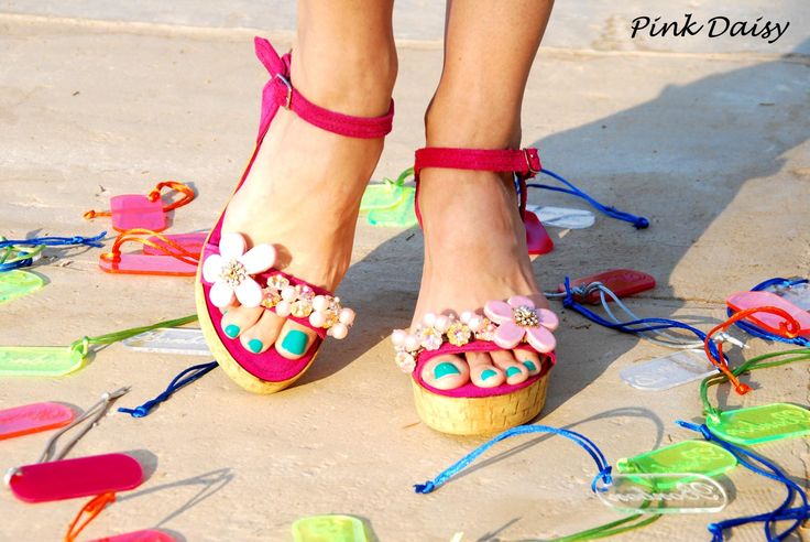 Pink Daisy Wedges! Love the Fuchsia and Pink! Bonbon Sandals
