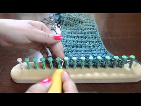 Step by step instructions show you how to join both ends of a scarf while still on your CinDWood Loom. No stitching or seaming required to create an infinity...