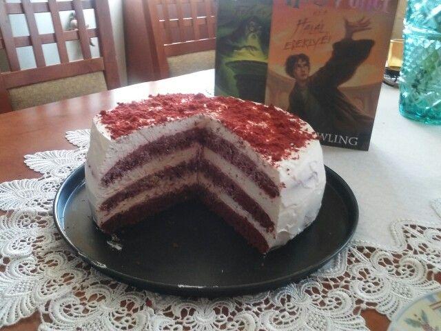 Az én vörös bársony tortám.