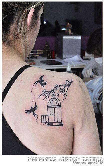 tatuagem gaiola aberta pequenos passaros - Pesquisa Google