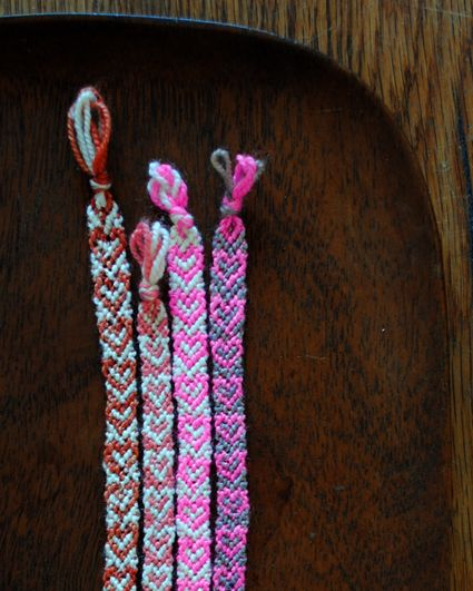 Heart Friendship Bracelets - not actually sewing :): Heart Patterns, Heart Friendship Bracelets, Diy'S Yarns Bracelets, Diy'S Friendship, Bracelets Made Outs Of Yarns, Diy'S Bracelets Yarns, Yarns Bracelets Diy'S, Friendship Heart Bracelets, Heart Diy'S