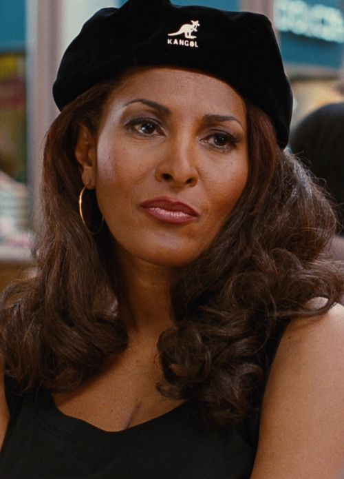 Pam Grier being bossy, foxy, and alpha as fuck in Jackie Brown