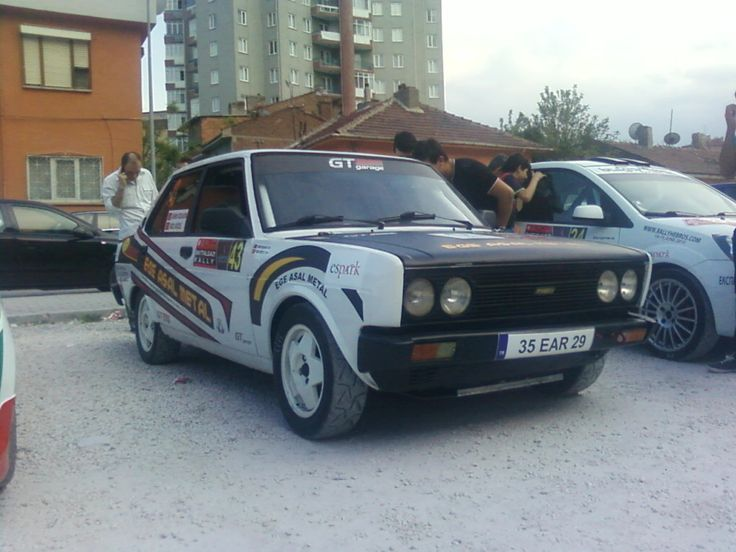 Battalgazi Rallisi'nde böyle arabaya ilk kez rastladım. Yerli Tofaş'ımızı da ralli arabası yapmışlar. Tofaş Murat 131 ralli aracı... Araç Şahin kasadır...