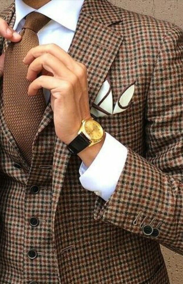 Mens Suit-Brown Knit tie-Pocket square