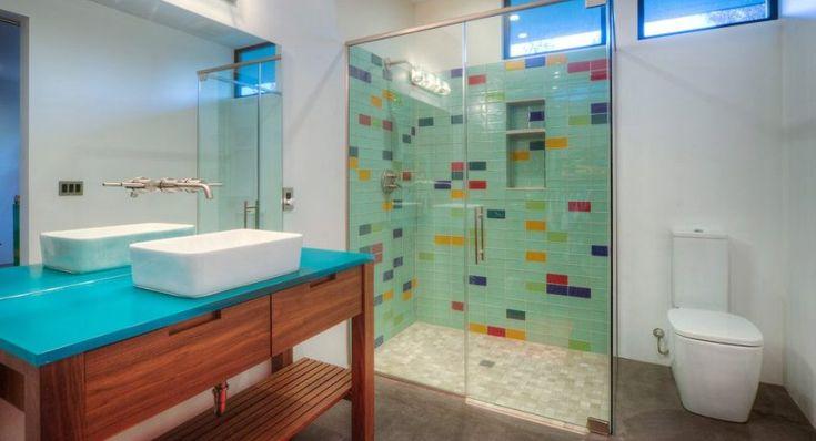 Душевое ограждение из стекла без поддона: комфортное решение для ванной комнаты http://remoo.ru/vannaya-i-tualet/dushevoe-ograzhdenie-iz-stekla-bez-poddona
