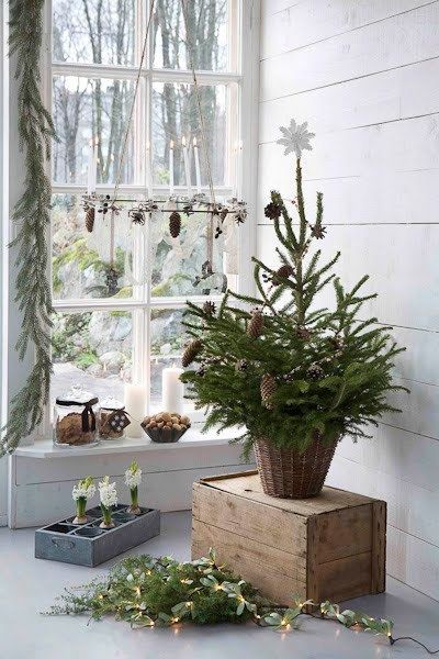 Scandinavian Christmas tree & decor