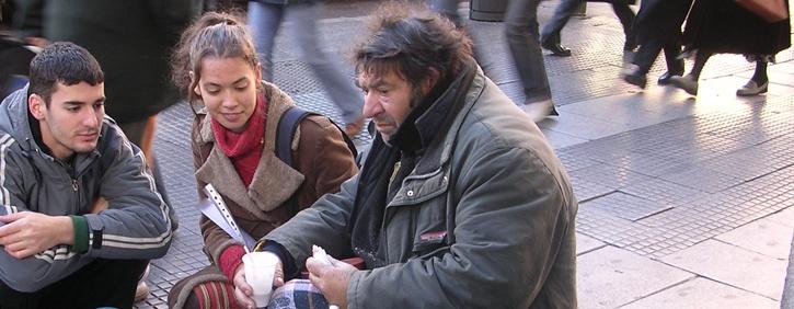 """Cooperación Internacional es una organización española sin ánimo de lucro, Cruz de Oro de la Orden Civil de la Solidaridad Social y declarada Entidad de Utilidad Pública, que trabaja desde 1993 """"por una juventud solidaria""""."""