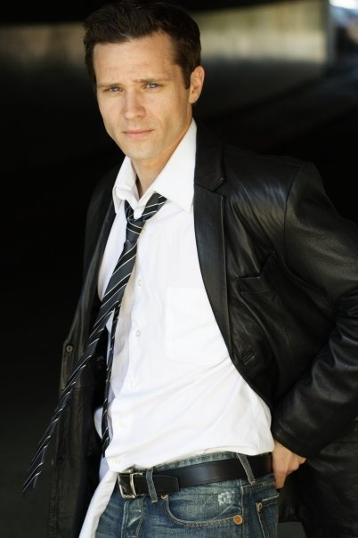 Seamus Dever. Kevin Ryan from Castle... *swooooon*