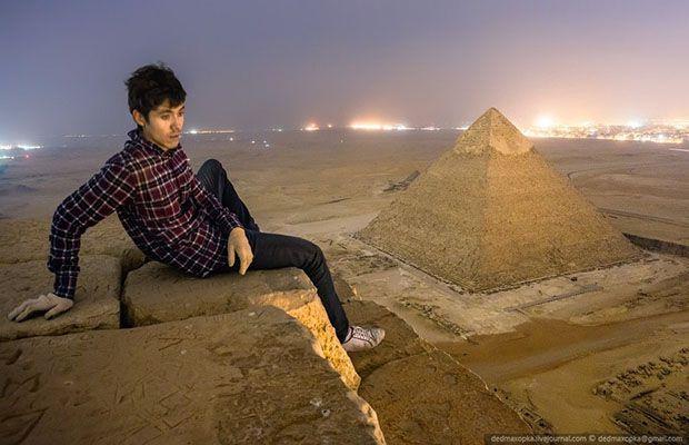 Des photographes russes sont allés voir du côté de la Pyramide de Khéops. Un pari risqué pour une aventure photographique réalisée avec succès.