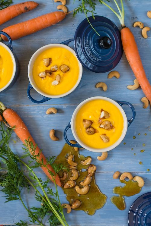 Crema de zanahorias y jengibre, con anacardos crujientes