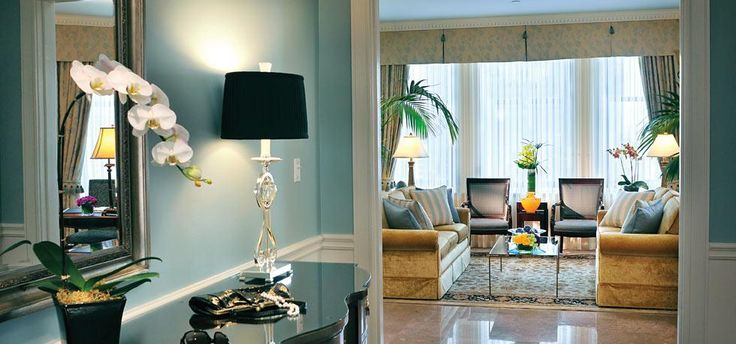 Isn't this a darling suite? I loved the soft robin egg blue, so soothing.