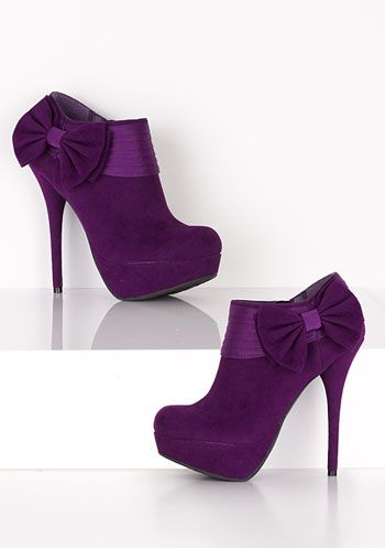 Bow Heel so adorable!! The color is vavavoom!!