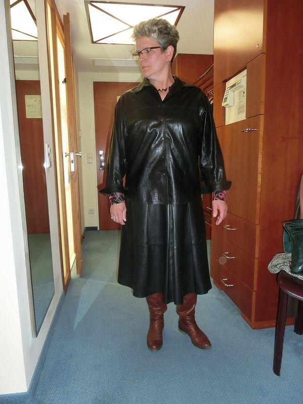 Leather Granny 111