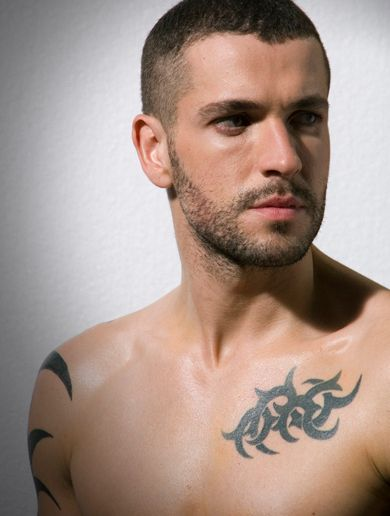 Shayne Ward...yup moving to England. Bye-Bye America