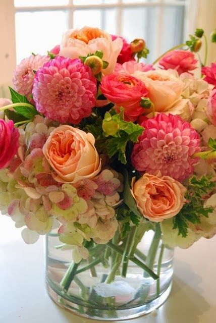 Beautiful arrangement of Roses, Hydrangeas, and Dahlias****FOLLOW OUR UNIQUE GARDENING BOARDS AT www.pinterest.com/earthwormtec*****FOLLOW us on www.facebook.com/earthwormtec  www.google.com/+earthwormtechnologies for great organic gardening tips #container #vase #flowers