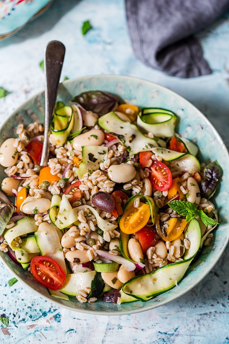 Options for cooking salad Calla: recipes, photos, characteristic 74
