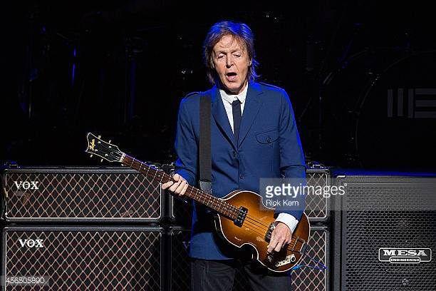 Sábado, 01/10/1960:Beatles in Hamburg: Antes De sua apresentação no Indra Club, os Beatles foram ao Der Kaiserkeller para ver os conterrâneos Rory Storm and the Hurricanes. Conheceram Ringo, que …