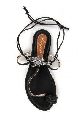 Eda Taşpınar Parmak Arası İpli Siyah Sandalet: Lidyana.com