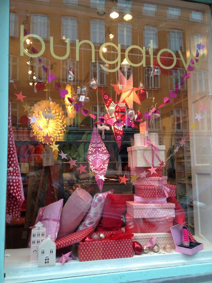Bungalow say power, pink and red for Christmas
