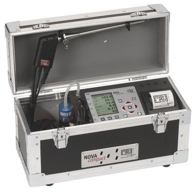 NOVAcompact: Kompakt és robosztus koffer készülék hosszú élettartamú O2 érzékelővel és gyors hatásos füstgázelemzés olaj, gáz vagy szilárd tüzelőanyagoknál, beépített gyors nyomtatóval.