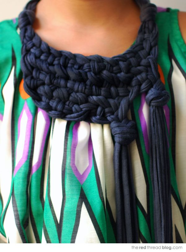 the red thread :: create, inspire, share | MAKE IT :: Knotted Tassel Neckpiece | http://www.theredthreadblog.com