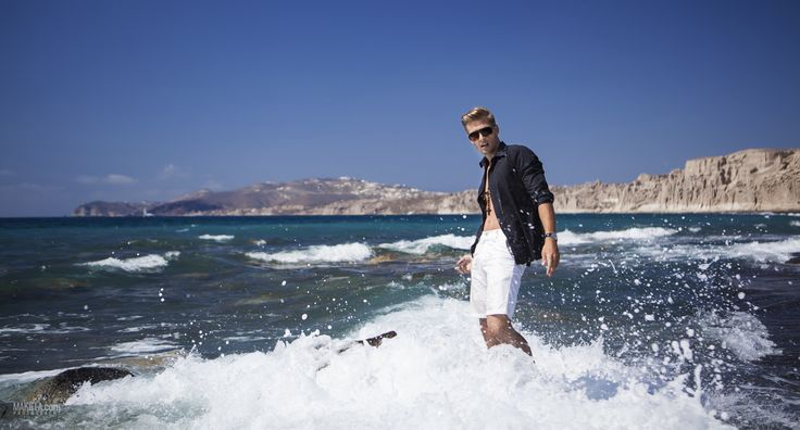 Conceptual and Fashion Underwater Photography model Jerro Nimo session on #Santorini #Jeep #Fashion
